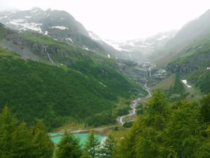 アルプ・グリュムからの氷河とラーゴビアンコ