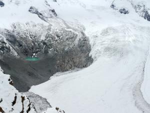 ゴルナーグラートからの氷河と山上湖