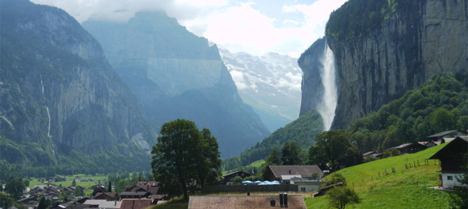 ラウターブルンネン(Lauterbrunnen)滝経由