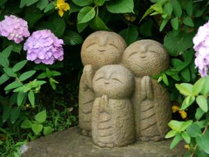 長谷寺の紫陽花とおじぞうさん